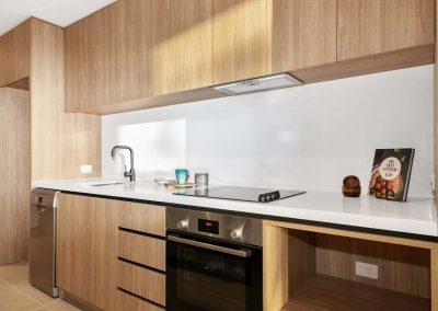 Parallel Riverfront Apartment - Kitchen