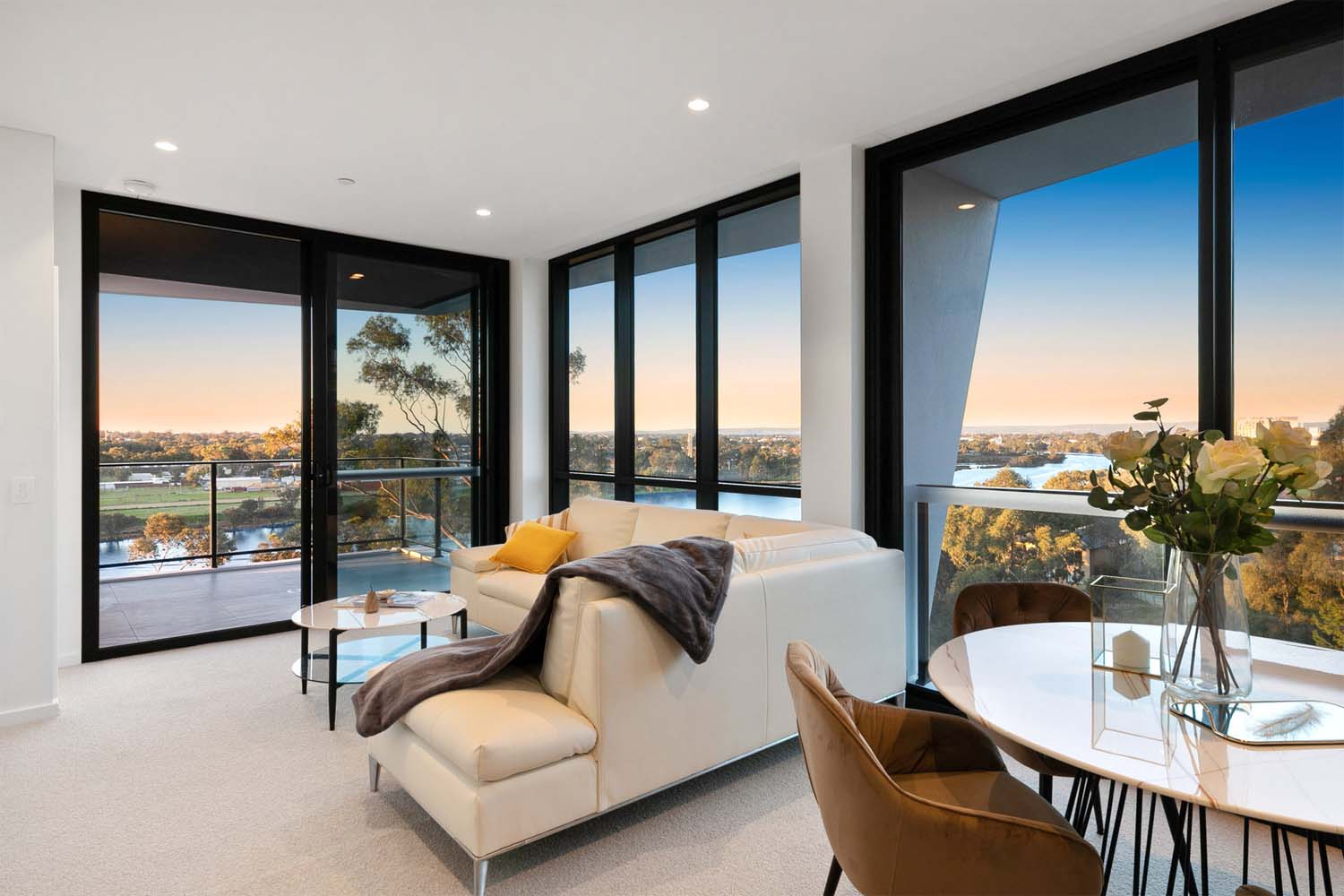 Perth apartment with Swan river view