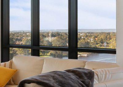 Parallel Riverfront Apartment - Riverview