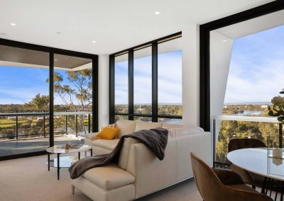 Parallel Riverfront Apartment - Livingroom