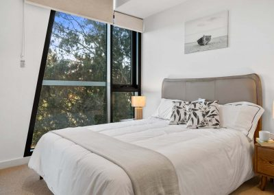 Parallel Riverfront Apartment - Bedroom